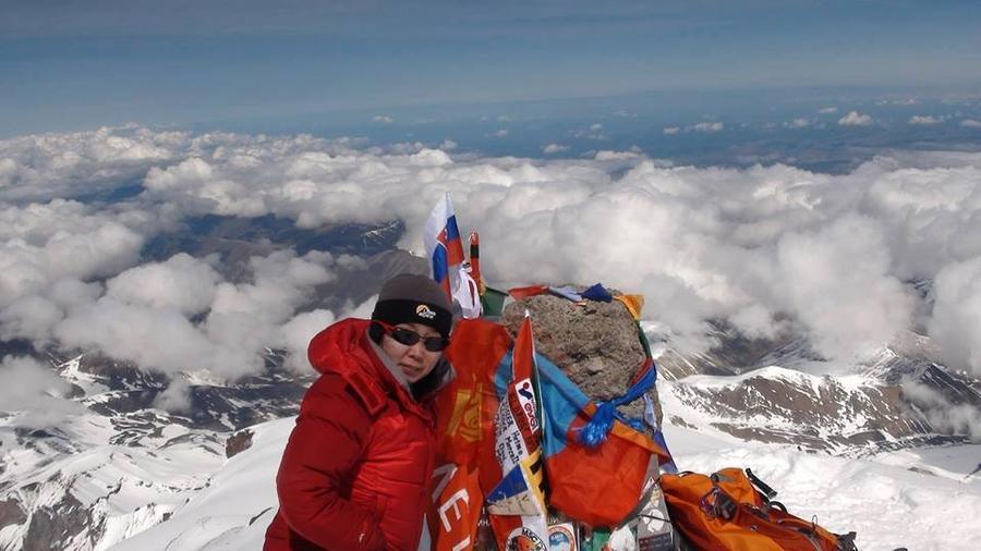 ガンガーマー登山家、K2山頂で再挑戦